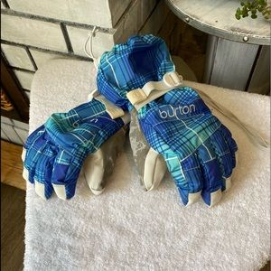 Burton Youth size Small ski boarding gloves